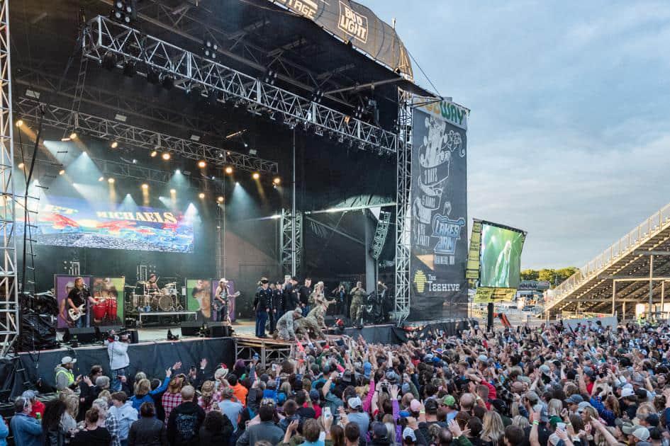Lakes Jam 2017 concert crowd Brainerd International Raceway 2x3 Photo